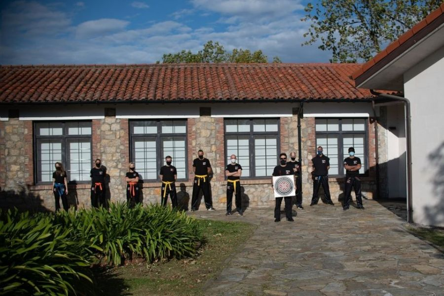 foto grupo krav maga cantabria en suesa