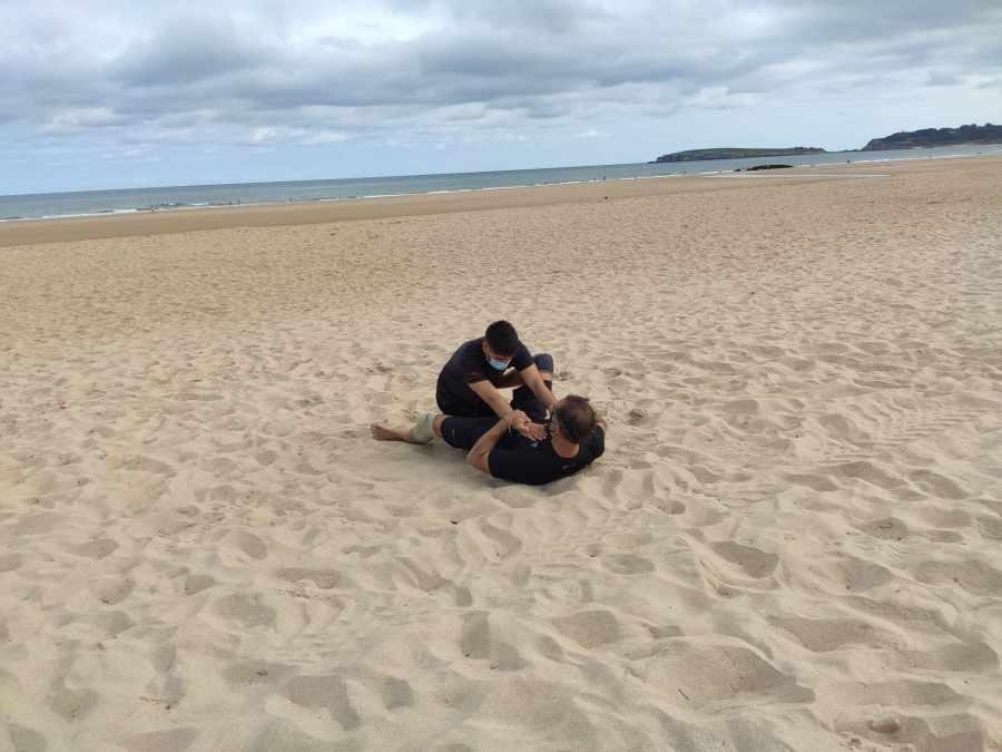 entrenamiento suelo en la playa